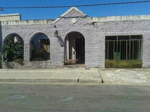 Muy Linda Casa En Fray Bentos A 6 Del Centro (ref. 3378)