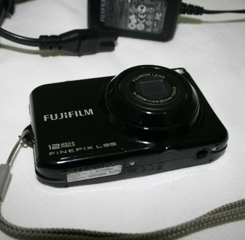 Camera Digital Fujifilm Com Cartão De 2 Gigas