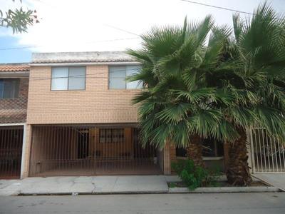 Casa En Venta En Fracc Del Bosque, Gómez Palacio