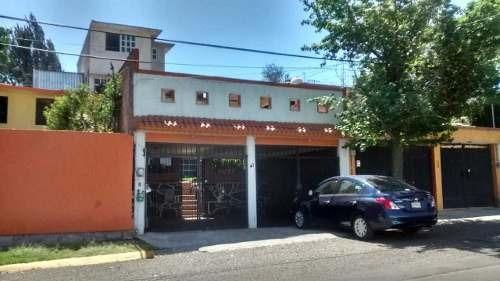Bonita Casa De Tres Niveles