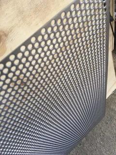 Lámina Perforada De 1metro Por 61cm Calibre 18