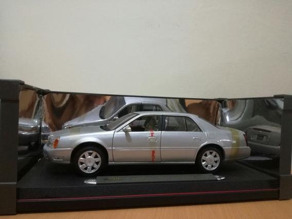 Carro De Colección Cadilac 2000 D T S Escala 1:18