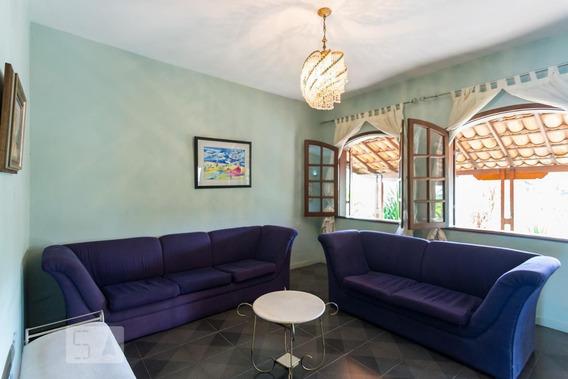 Casa Com 3 Dormitórios E 2 Garagens - Id: 892950910 - 250910