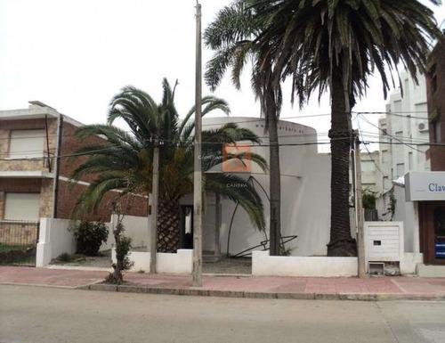 Local A La Venta En Zona Puerto De Punta El Este, Opción De Construir Otro Piso- Ref: 993