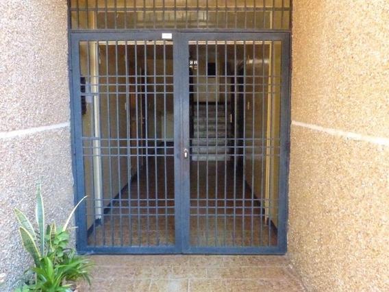 Apartamento En Venta Amparo Maracaibo Api 32624