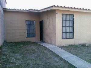 Casa En Venta La Pradera Valencia Carabobo 20-4136 Rahv