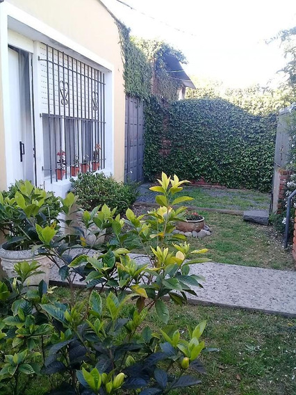 Casa 2 Dorm, Lote 10 X 20 Y Cochera Cubierta - Los Hornos