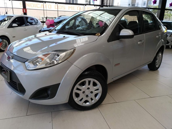 Ford Fiesta Sedan Se 1.6 8v Flex 2013 Prata