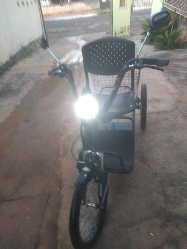 Triciclo Elétrico