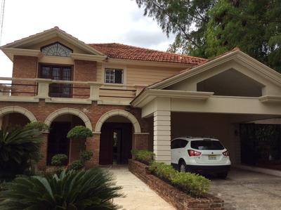 Casa En Alquiler En Isabel Villas De Tres Habitaciones