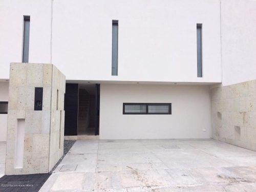 Casa En Renta En Zibata, El Marques, Rah-mx-20-465