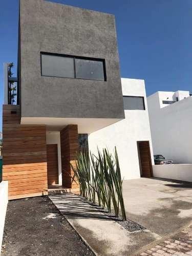 Hermosa Casa En Juriquilla La Condesa. Acabados De Lujo