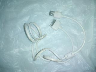 Un Iphone4, Cable Usb Del iPhone Y Un Alcatel Onetouch