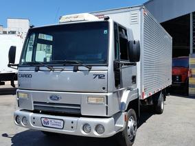 Ford Cargo 712 11 Baú