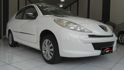 Peugeot 207 2014 1.4 Active Flex 4p - Sedã | Sedan