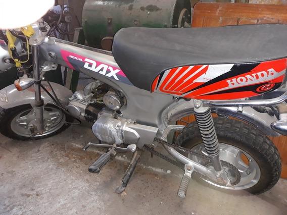 Honda Dax St 70