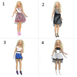 Barbie Ropa Perchas Zapatos