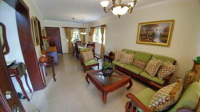 Preciosa Casa De Dos Niveles En Villa Claudia