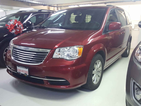 Chrysler Town & Country 5p Touring V6/3.6 Aut