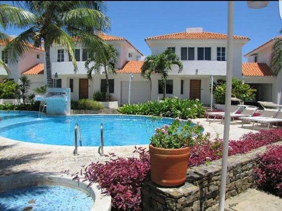 Venta Casa Resid. Casablanca Villas, Playa El Angel Pampatar
