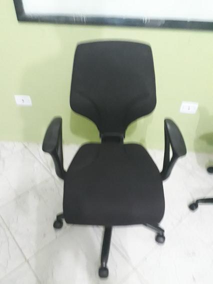 Cadeira De Escritorio Giroflex Candall 64