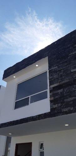 Preciosa Casa En Grand Juriquilla, Concepto Abierto, Jardín, 3 Recamaras, Lujo