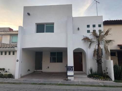 Casa En Renta En Fraccionamiento Frente Lomas D Angelopolis