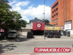 20-6022 Bello Edificio En Las Mercedes