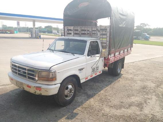 Camioneta Ford-350. 1997 Gasolina-gas