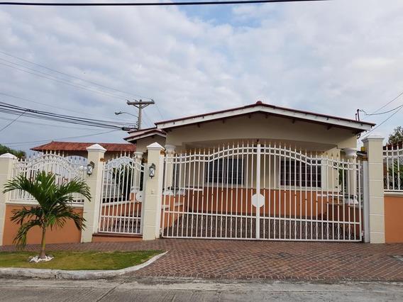 Alquilo Hermosa Casa En Residencial Con Piscina Dorasol-cr