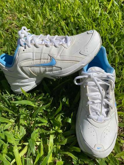 Zapatillas Nike Blancas Mujer. Talle 40