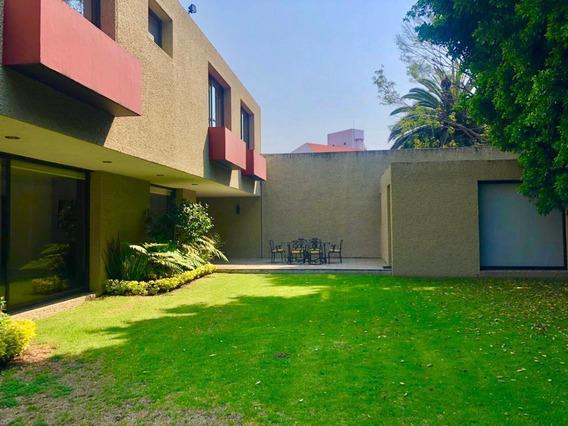 Casa De 4 Recamaras En Calle Cerrada Con Vigilancia En Jardines Del Pedregal