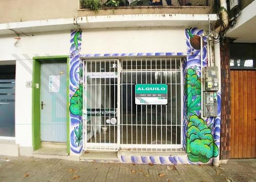 Locas Comercial En Barrio Histórico