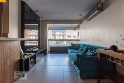 Apartamento No 1º Andar Mobiliado Com 2 Dormitórios E 2 Garagens - Id: 892933340 - 233340