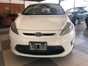 Autos Ford Fiesta Kinetic Titanium