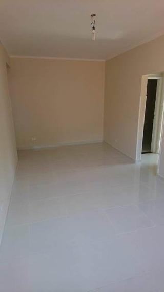 130 A - Santos - Marapé - 02 Dormitórios - Garagem Fechada