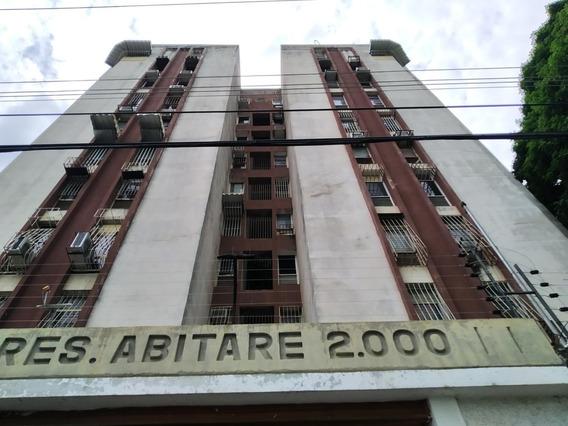 Apartamento En Venta- Los Caobos 20-18433 Chm