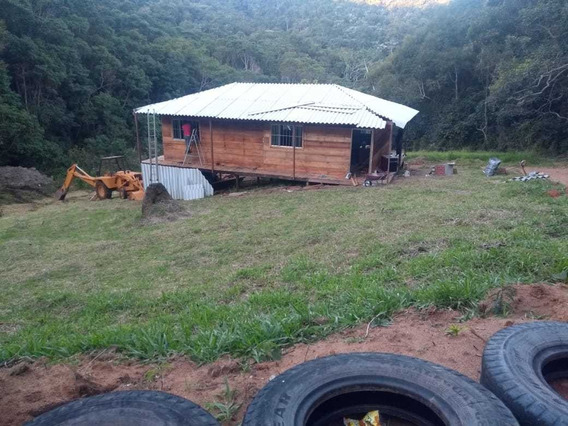 Sitio Em Salesópolis, Para Contato Com A Natureza.