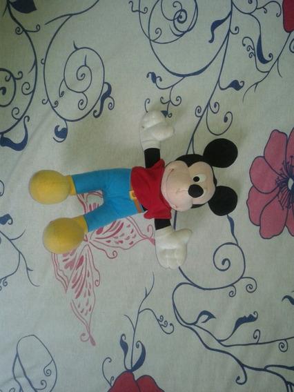 Mickey De Pelucia