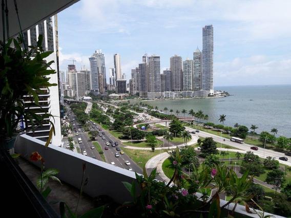 Apartamento En Venta Ph Condesa Del Mar En Balboa Panamá 19-