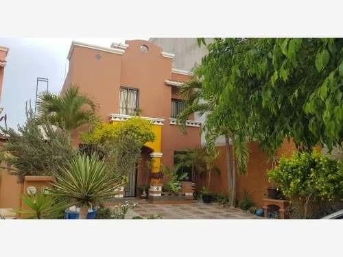 Casa Sola En Venta Real Del Valle Coto 5 Casa En Privada Con Alberca Y Seguridad