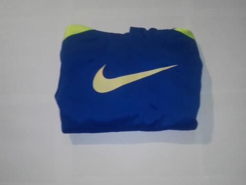 Suéters Nike Dos Modelos Fosforescente Y Otro En Azul