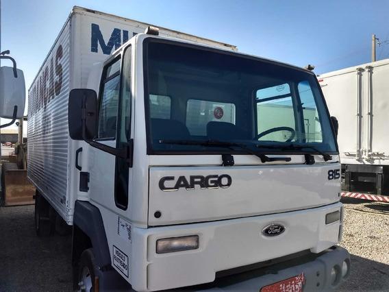 Cargo 815/03 Branco Baú