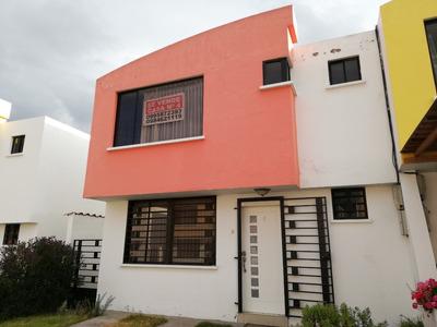 Hermosa Casa En Pujili. Conjunto Sierra Hermosa.