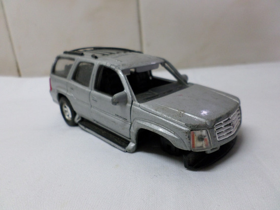 Cadillac Escalade 2002 Welly 1/43 A Restaurar