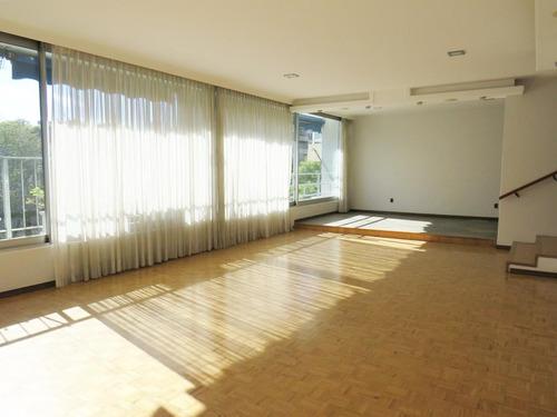 Venta Apartamento Tres Dormitorios Y Servicio Completo Pocitos