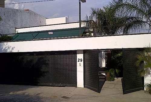 Edificio Con 3 Lofts Jardín Hermosa Vista Clima Perfecto