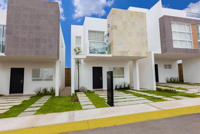 Preciosa Casa En Juriquilla San Isidro, 3 Recámaras, 2.5 Baños, Jardín, Alberca