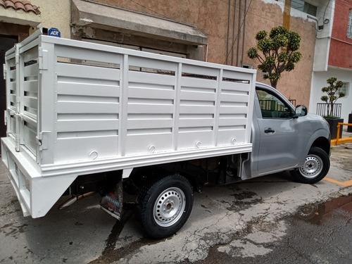 Imagen 1 de 11 de Nissan Np300 2019 2.5 Chasis Cabina Dh Aa Pack Seg Mt