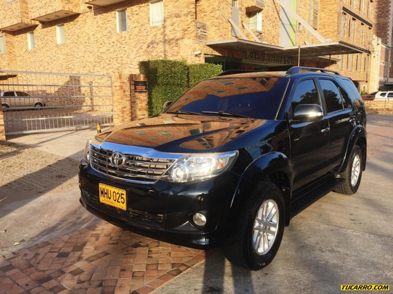 Toyota Fortuner Sr5 4x4 At